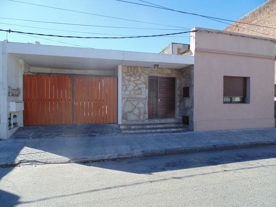 Casas De 1 Y 2 Dormitorios.