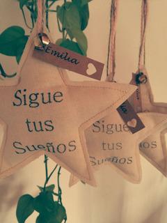 Souvenirs De Tela, Estrellas, Corazones Y Palomas Estampados