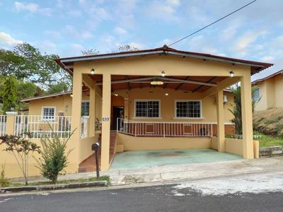 Casa En Venta -excelente Estado- 3 Habs/3 Baños