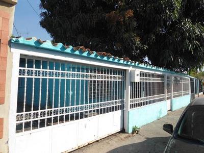 Venta Casa De 150mts2 En Maracay.gbf