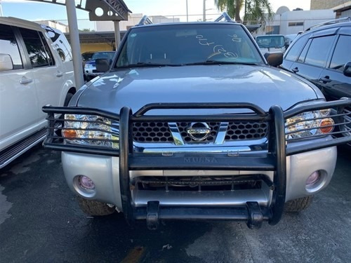 Nissan Frontier 4x4 Automatica