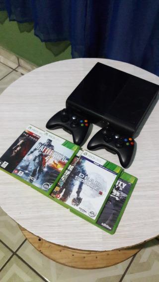 Xbox 360 Bloqueado Com Cinco Jogos E Dois Controles