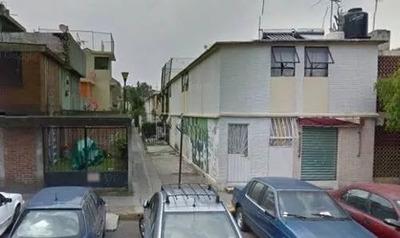 Bonita Casa En Remate A 5min. De Town Center Y Metro Rosario