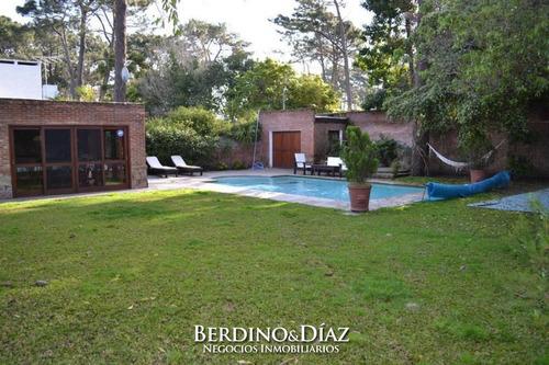 Esplendida Casa En Venta Ubicada En Una Hermosa Zona De Playa Mansa- Ref: 92