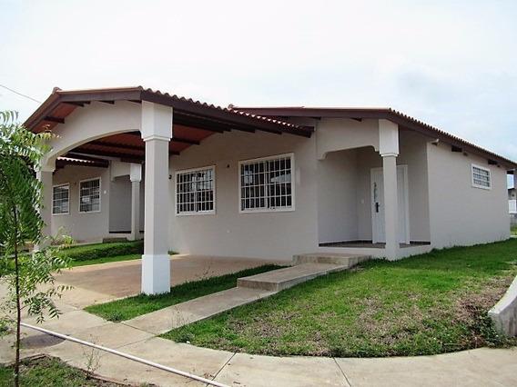 Casa Como Nueva De Esquina Panamá, Arraijan, Brisas Del Golf
