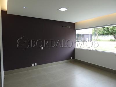 Excelente Casa Térrea Com 440m², Nova, Frente A Epia! - Villa112105