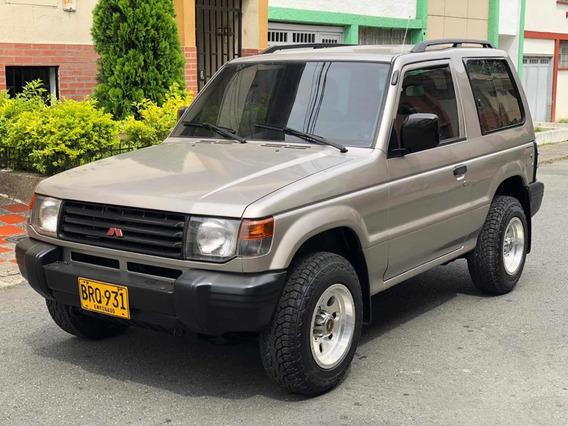 Mitsubishi Montero 2400