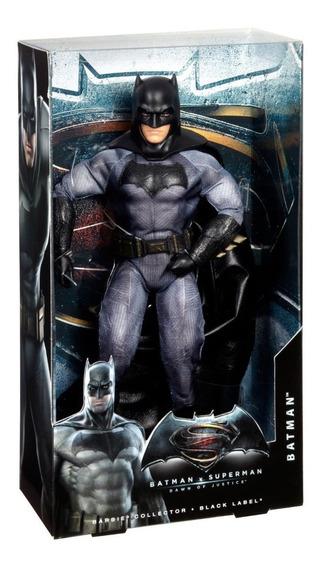 Boneco Barbie Ken Collector Batman Vs Superman - Batman