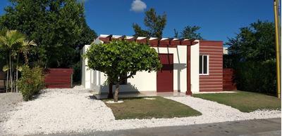 Casa Con Jardin Y Patio En Punta Cana