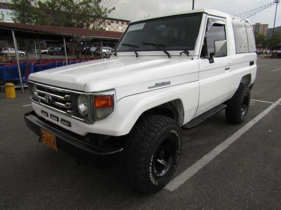 Toyota Land Cruiser Campero
