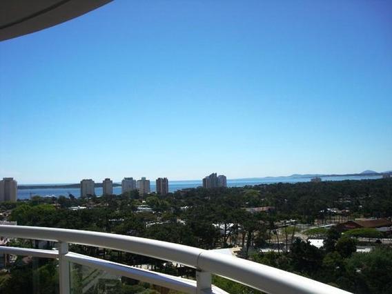 Alquiler Anual Apartamento 2 Dormitorios Con Amenities Punta Del Este