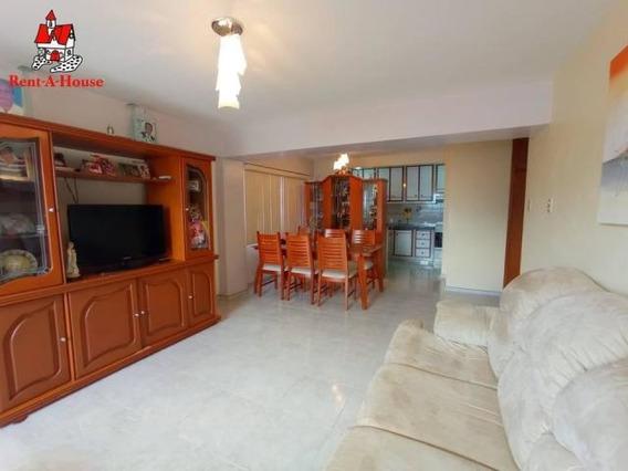 Apartamento En Venta Zona Centro Maracay 20-19779 Hcc