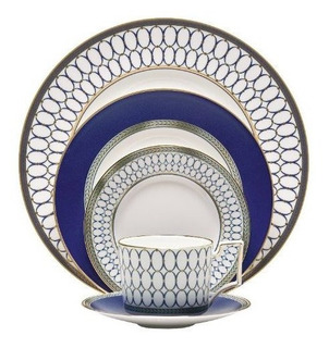 Service for 1 Wedgwood India 5-Piece Dinnerware Place Setting