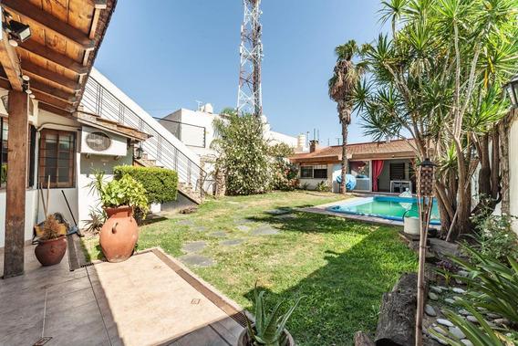 Venta Casa 4 Amb Pileta Cochera Quincho Terraza Multifamiliar