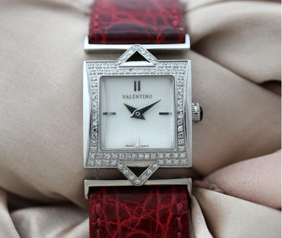Relógio De Pulso Feminino Valentino Aço Com 82 Brilhantes Coroa C/ Onix Fivela Assinada Pulseira Couro Legitimo J10223