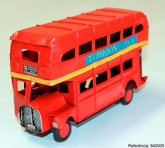 Ônibus Typhoon Vintage Miniatura Em Metal