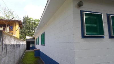 Chácara No Jardim Umuarama Com 2 Dormitórios - 4109/p
