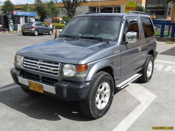 Mitsubishi Montero Autentique