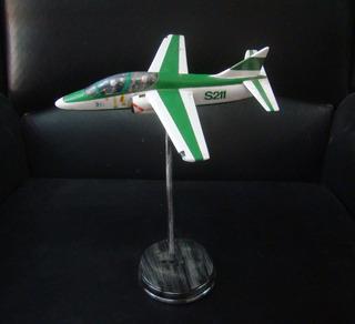 Avion A Escala Aermacchi S-211