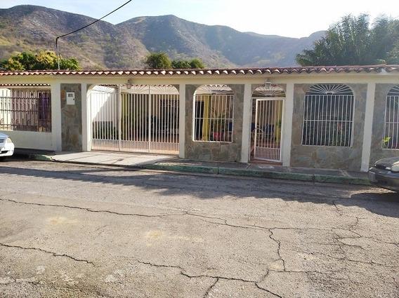 Casa En Venta En La Floresta, Guacara, Carabobo, 20-50001