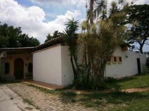 Casa En Venta En Colinas De Guataparovalencia 19-14360 Valgo