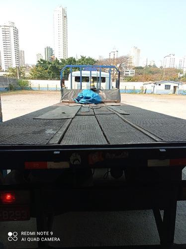 Imagem 1 de 11 de Caminhão Mercedes 2013 Truck