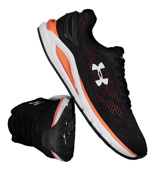 Tênis Under Armour Charged Carbon Preto/laranja. Cod 07