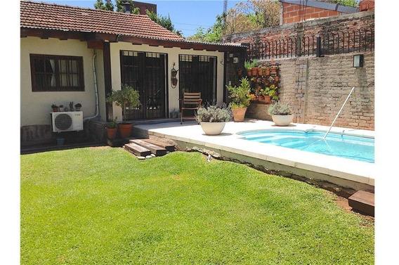 Casa 5 Amb + Pileta + Cocheras + Quincho + Adrogue