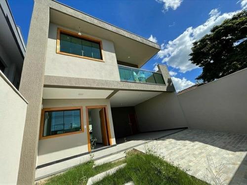 Linda Casa De 4 Quartos Em Pedro Leopoldo (bairro Andyara)