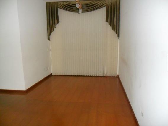 Apartamento Tipo Com 3 Quartos Com Suíte E Diferenciado Com 3 Vagas De Garagem - 1044