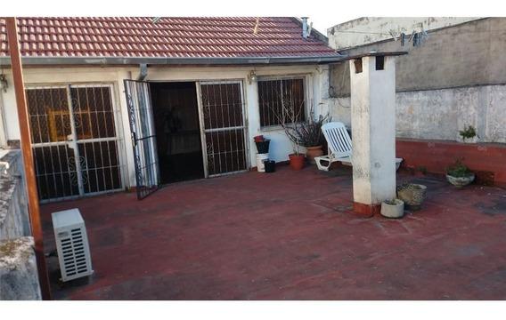 Casa De 5 Ambientes C/coch 2 Autos,terraza,quincho