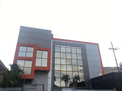 Edificio Para Centro Asistencial