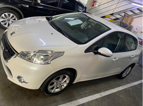 Ginza. Peugeot 208 Allure 1.5n Touchscreen 2016