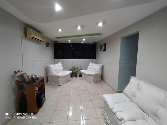 Apartamento En Venta Urb Base Aragua Maracay 21-7601 Mv