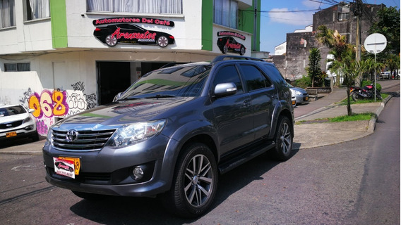 Toyota Fortuner Urbana 4*2 Gasolina 2014