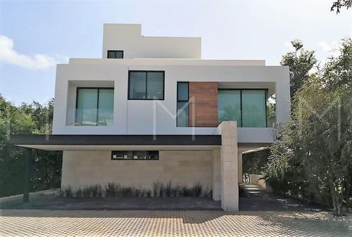 Casa En Renta / Venta En Cancun Country Club