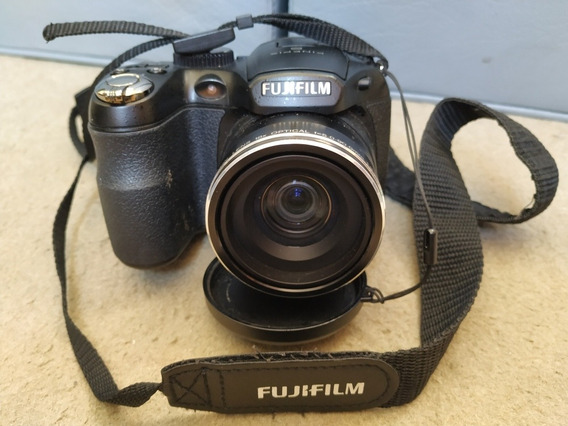 Câmera Fujifilm Finepix S2950