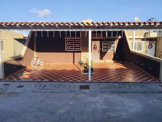 Casa En Venta, Urb. Canaima Ii, Sector El Marqués. Guatire