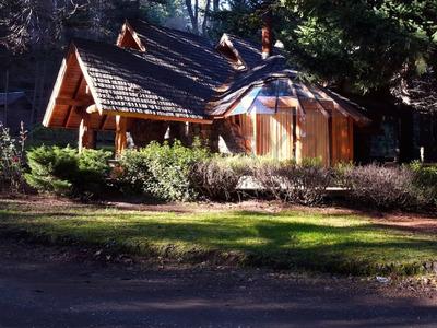 Alquiler Permanente, Cabaña 120m2 Excelente Ubicac. A 50 M Del Lago Nahuel Huapi