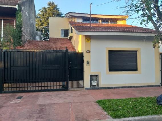 Casa En Adrogue Reciclada Excelentes Condiciones Dueño Vende