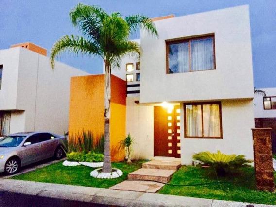 Se Vende Hermosa Casa En Puerta Real Corregidora