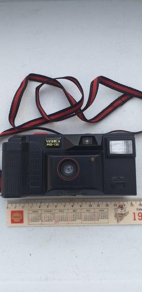 Máquina Fotográfica Yashica Antiga