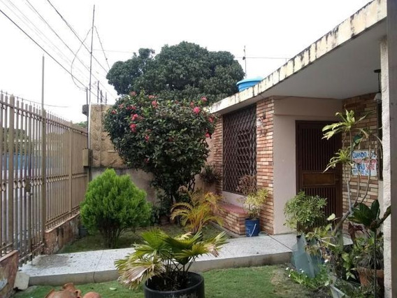 Casa En Venta Barquisimeto Centro 20-12013 Jg