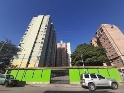 Apartamento Impecables Espacios Av Bolívar. Wc