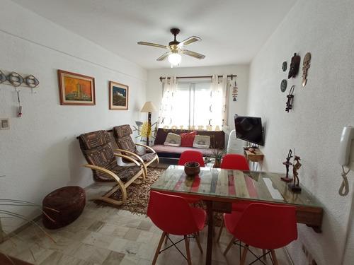 Apartamento En Peninsula, 1 Dormitorios *- Ref: 3752