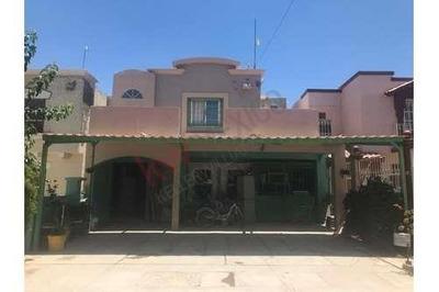 Casa A La Venta En Fraccionamiento Villas Solares Zona Valle Del Sol Área Sendero