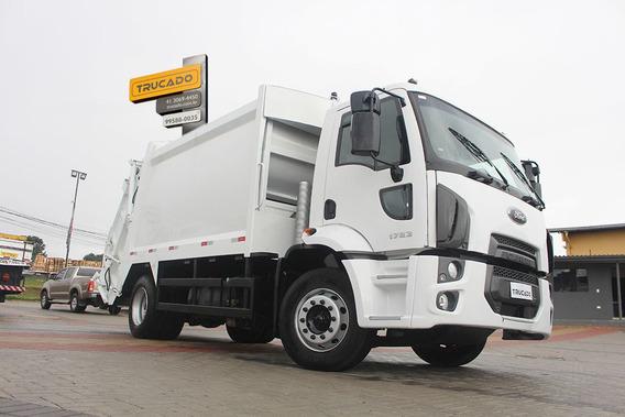 Cargo 1723 4x2 2013 Compactador = Mb 1718 Ford 1719 Vw 17220