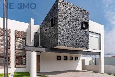 Casa Residencial En Metepec