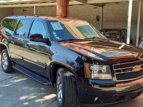 Imagen 1 de 6 de Chevrolet Suburban Paq. C 2014