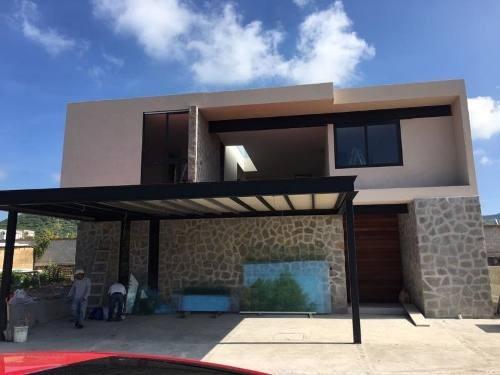 Casa En Venta En Fracc. Altozano